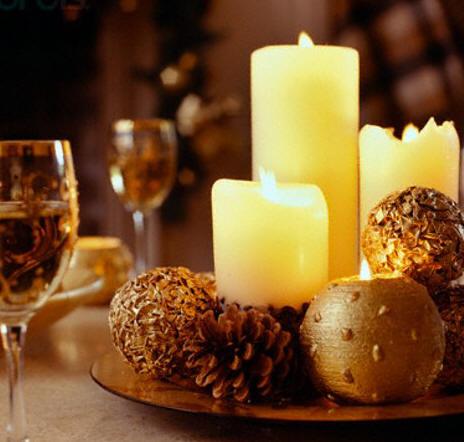 Centros de mesa y arreglos florales para navidad for Decorar jarrones con velas