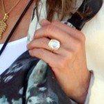Jennifer Aniston luce anillo de compromiso - Fotos