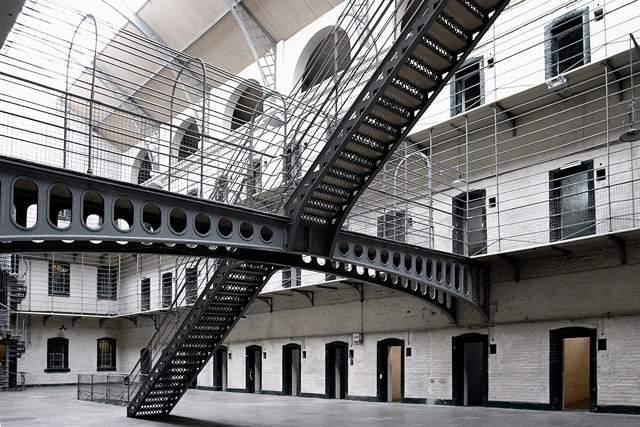 Jefe de la mafia siciliana se suicida en la cárcel