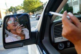 Fumar dentro del coche es perjudicial para los niños