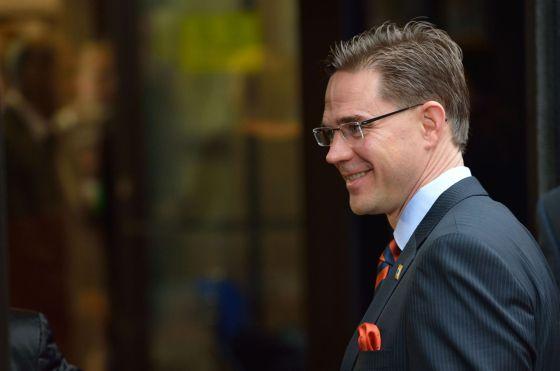Atentan con arma blanca contra el primer ministro finlandés