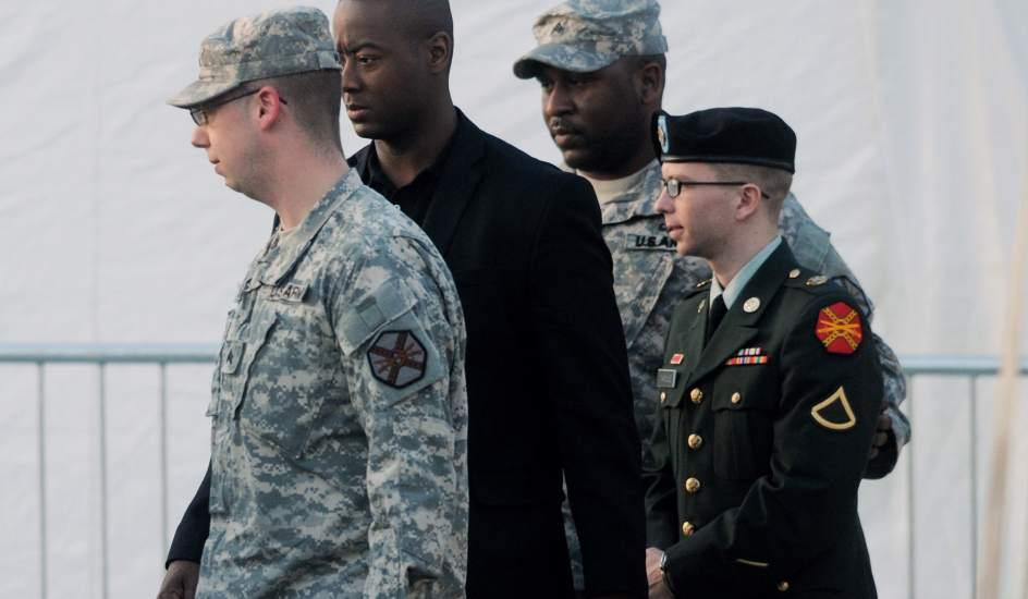 El soldado Bradley Manning niega que tratara de suicidarse