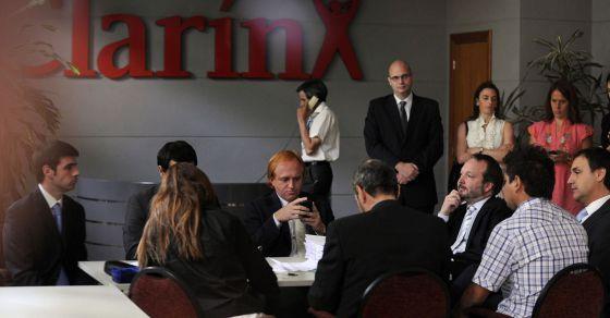Cristina de Kirchner comienza a desmantelar el Grupo Clarín