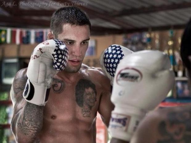 Insólito: Luchador se rompe el pene mientras mantenía relaciones sexuales