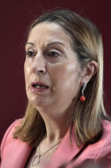 Las nuevas tarifas del AVE tendrán descuentos entre el 30% y el 70%