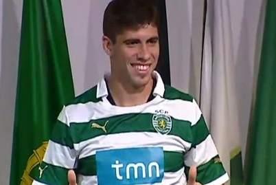 El Atlético de Madrid ficha a Emiliano Insúa