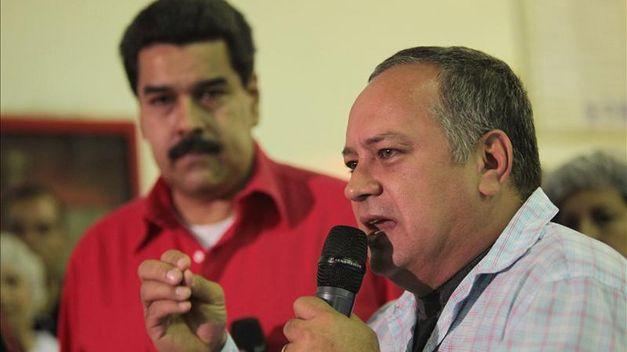 Maduro y Cabello juran unidad ante Chávez tras rumores de separación