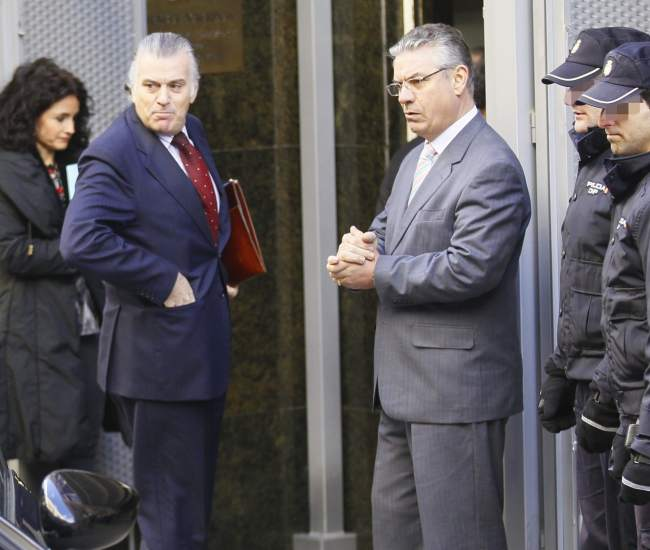 Bárcenas tiene prohibido salir de España por riesgo de fuga