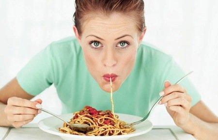 Comer antes y en determinadas horas ayuda a adelgazar
