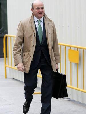 De Guindos no dará la cara y declarará por escrito por el Caso Bankia