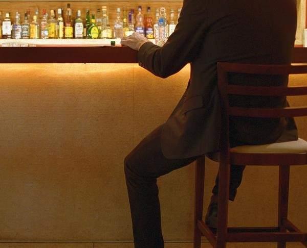Los preparados del alcoholismo en las condiciones de casa sin permiso