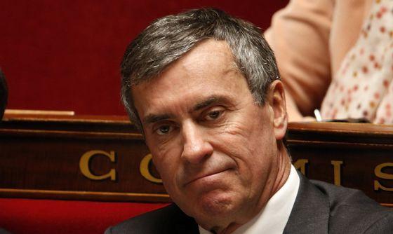 Dimite el ministro francés de Hacienda por una cuenta secreta en Suiza