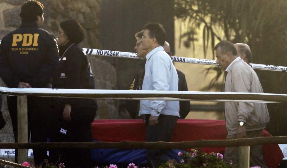 Exhuman los restos de Pablo Neruda para desvelar si lo asesinaron