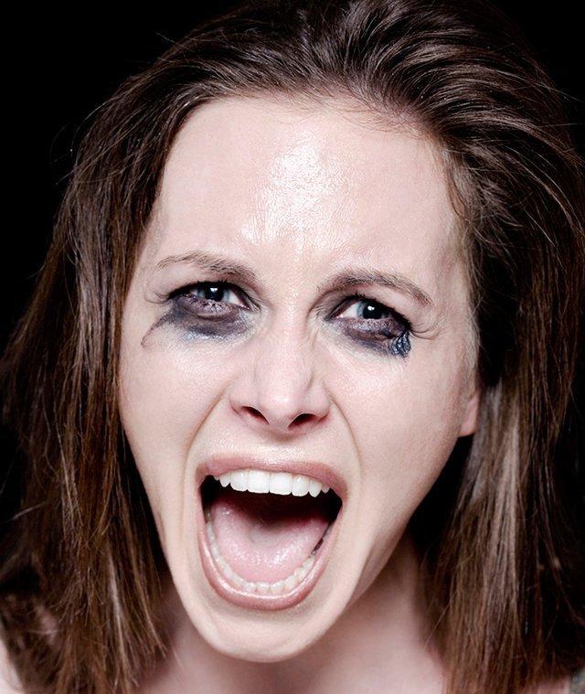 Conoce cuál es la consecuencia de estar un mes sin quitarse el maquillaje