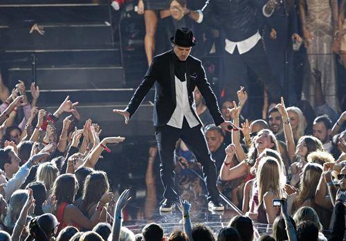Justin Timberlake arrasa en los premios MTV