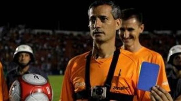 Fútbol: La tarjeta azul que sanciona blasfemar