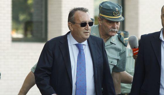Carlos Fabra : 4 años de cárcel por defraudar 700.000 euros a Hacienda¡