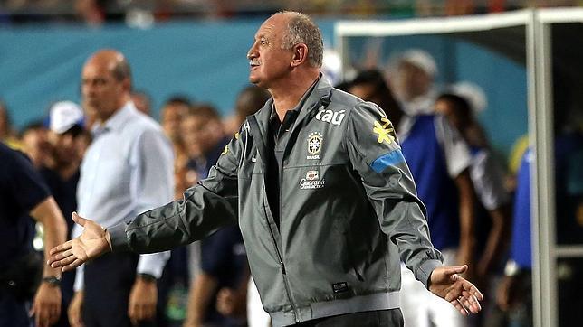 Scolari denuncia 'campaña en contra' de Mourinho contra Neymar¡