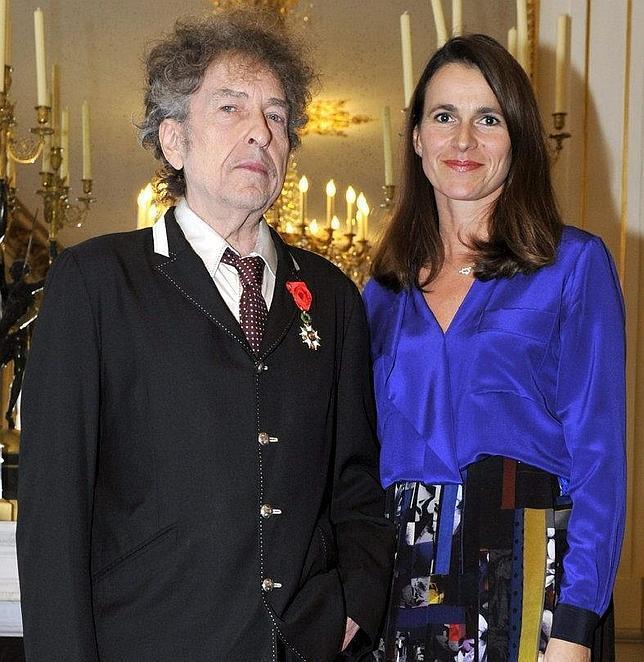 Bob Dylan recibe la Legión de Honor francesa tras sido considerado 'indigno'¡