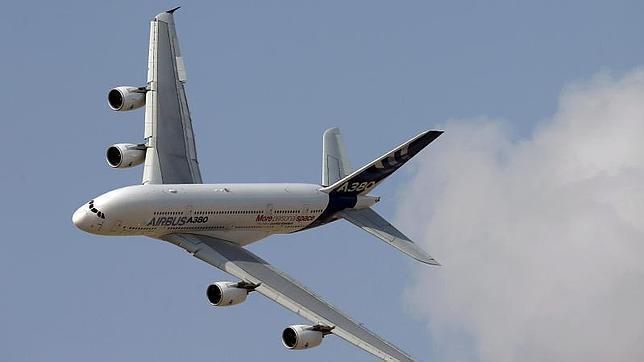 Boeing lanza el 777X, el avión bimotor más grande del mundo de doble pasillo¡