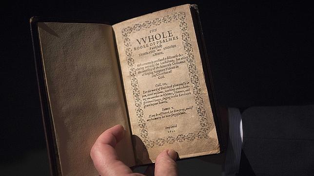 Descubre cuál es el libro más caro de la historia¡