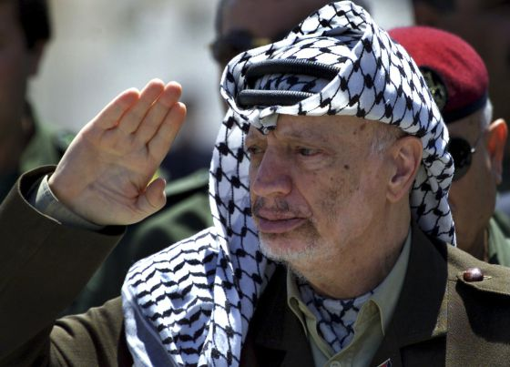 Expertos aseguran que Yaser Arafat 'murió por causas naturales y no por radiación'¡