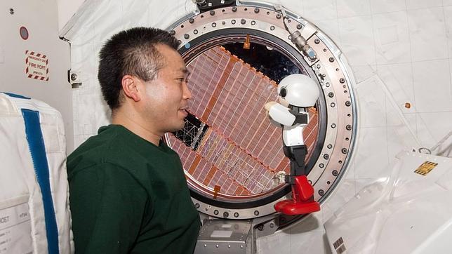 Curiosidades: 1° conversación entre un humano y un robot en el espacio¡
