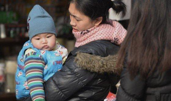 China relaja la política del hijo único
