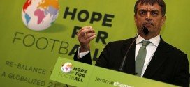 Jerome Champagne presenta su candidatura a la presidencia de la FIFA